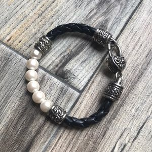 Brighton Silver Pearl Leather bracelet